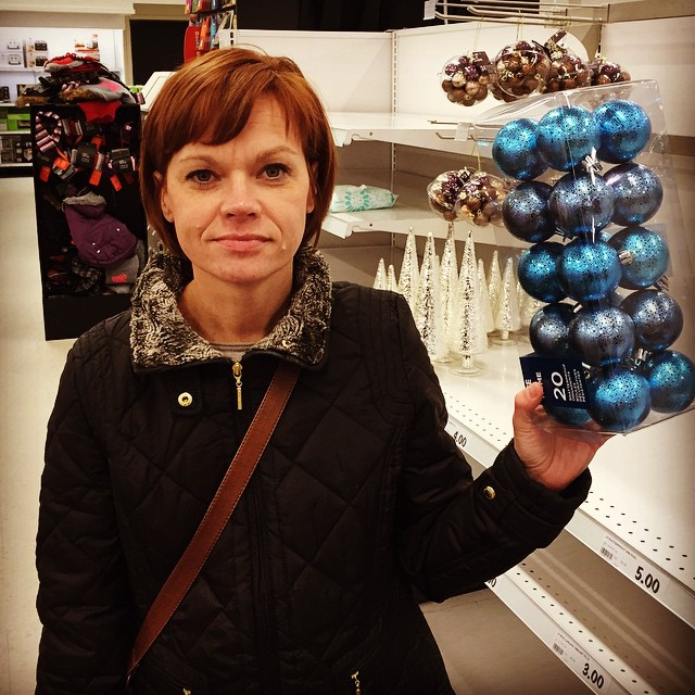 Pam has red hair and blue balls.