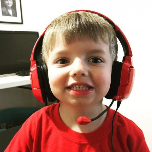 MaxiB playing on Dad's Destiny account.