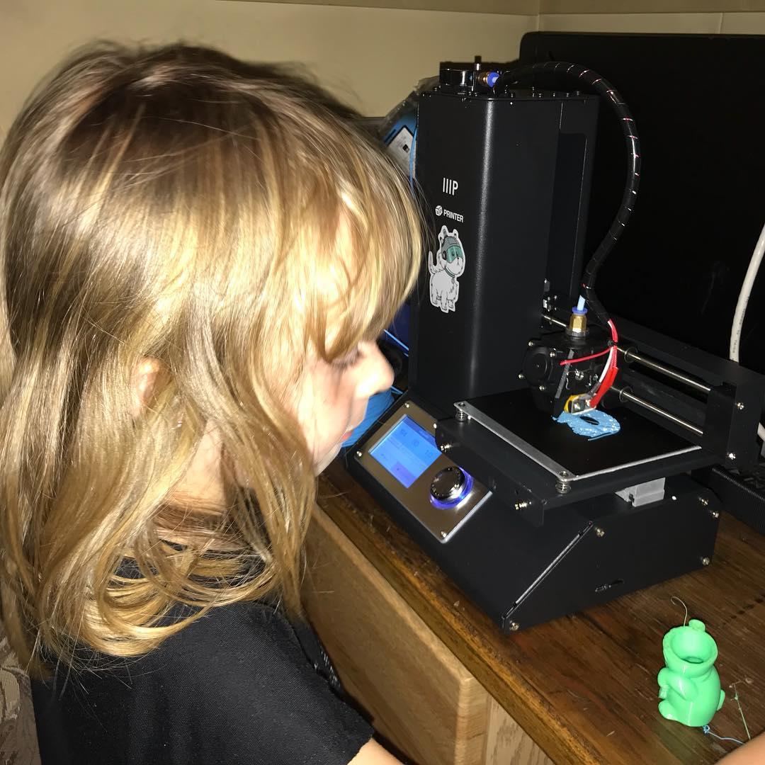 Carmen is my 3D printer monitor.