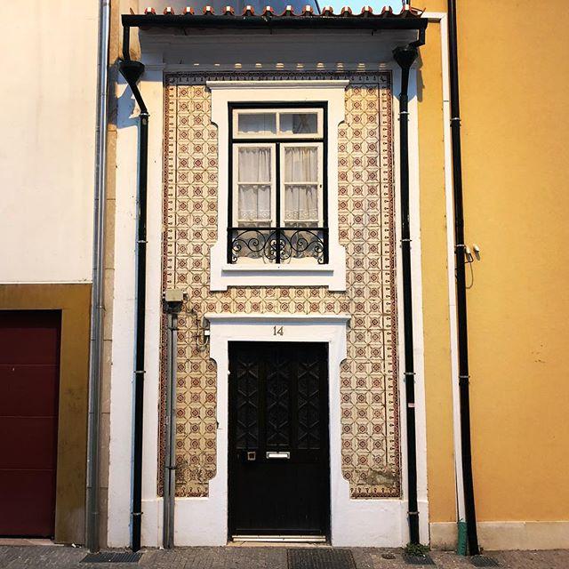 Skinny house in Aveiro