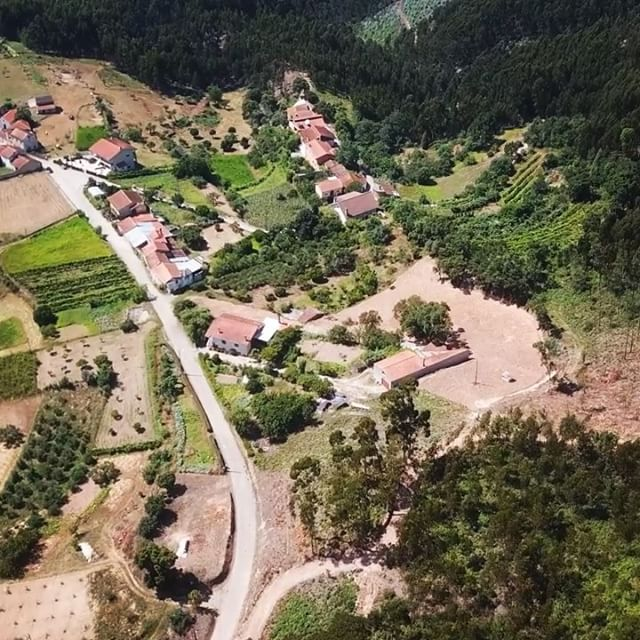 Flying around Casqueira