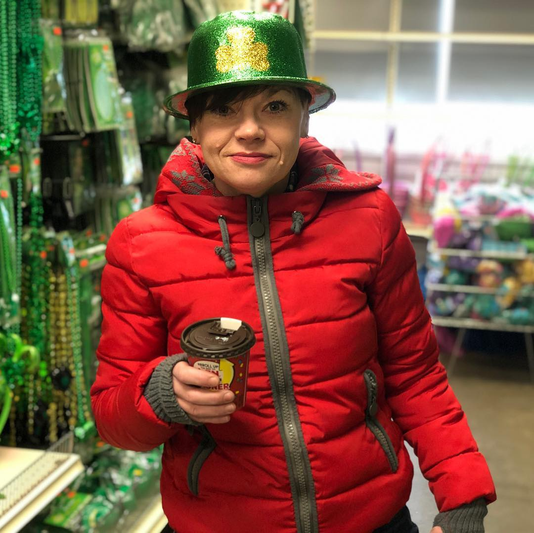 """I got glitter in me coffee. First world Leprechaun problems."" #shitpamsays"