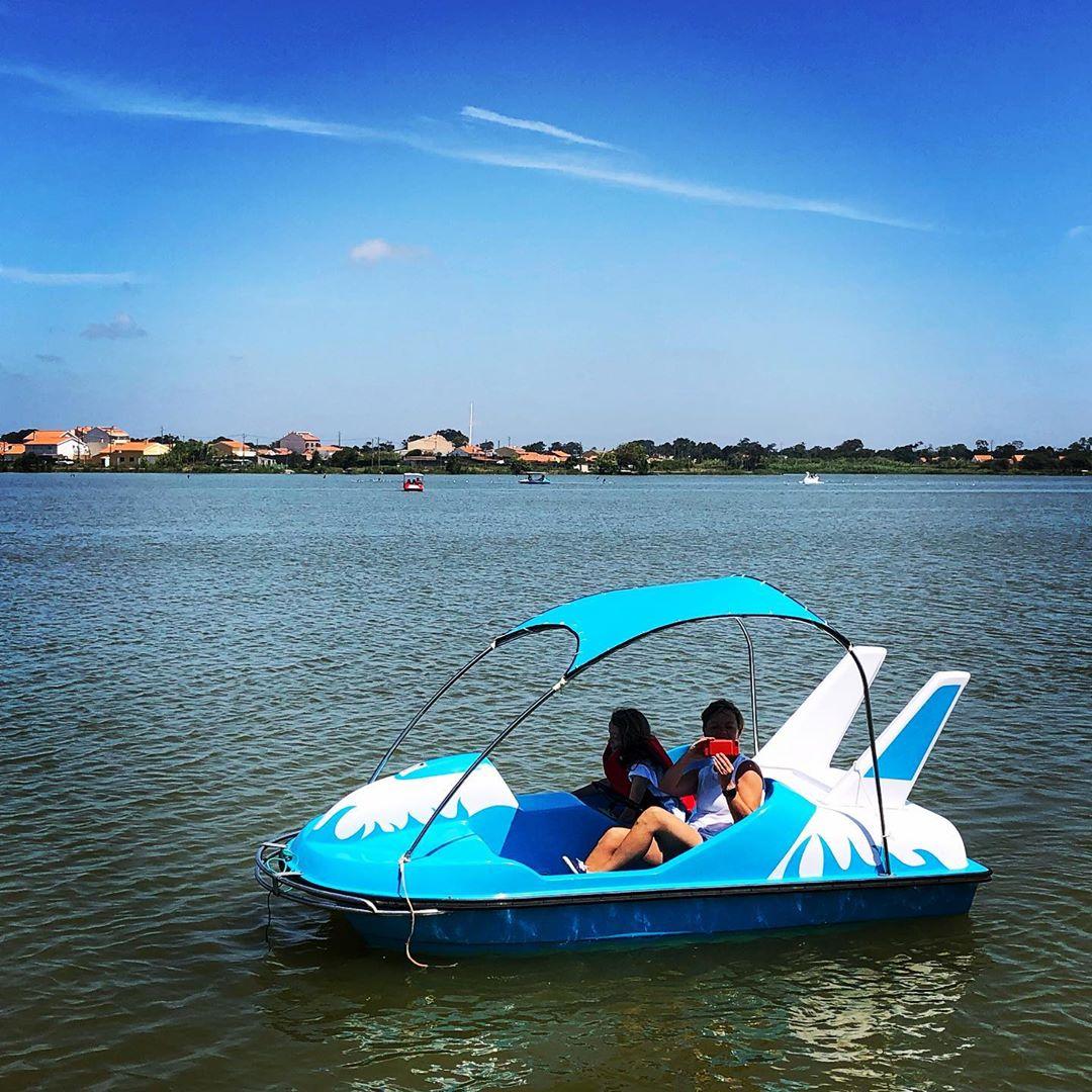 Boat girls.